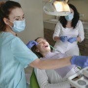 Jak wygląda wizyta u dentysty - KMK